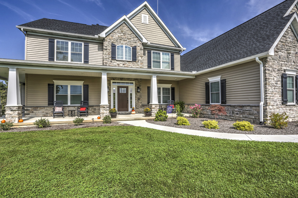 Country Style Home Exterior