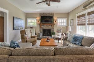 craftsman cottage living room