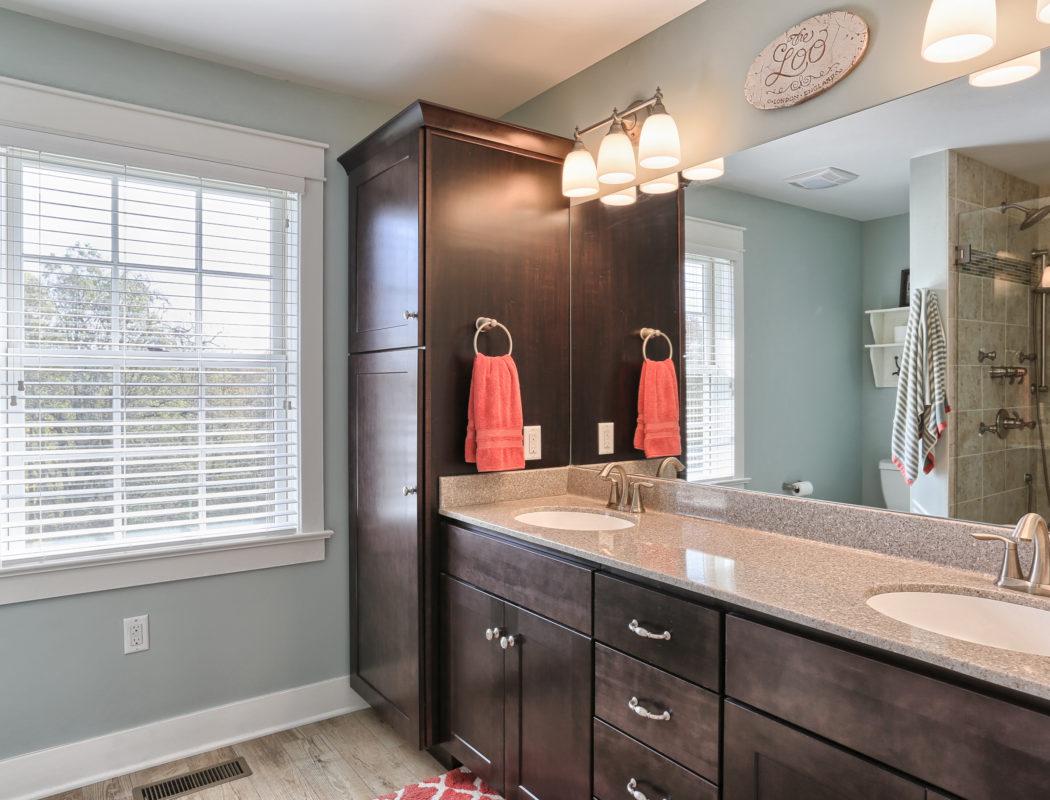 craftsman cottage master bathroom