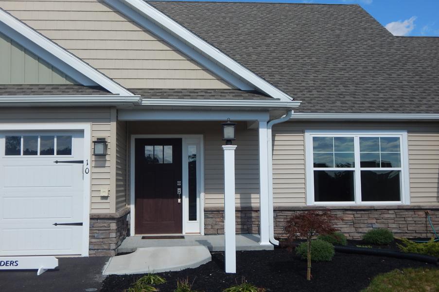 Villas at Featherton home entryway