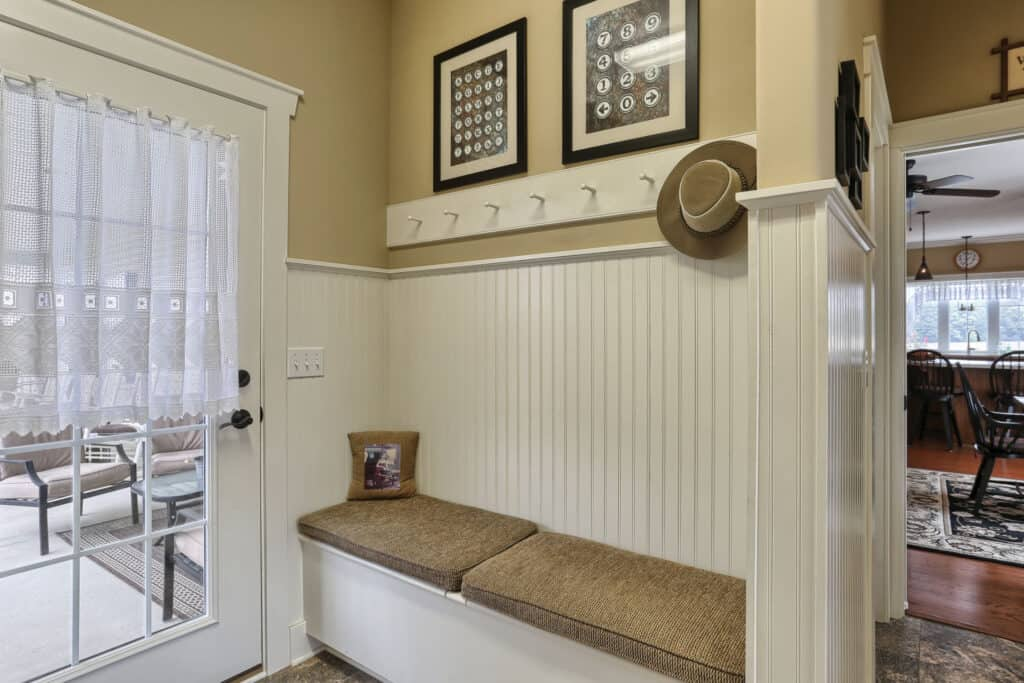 cushioned-bench-entryway