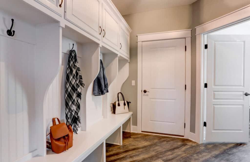 entryway-cubbies-home-renovation